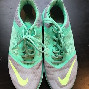 Nike size 8 running shoes